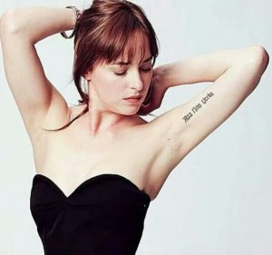 Dakota Johnson- Tatuaggio in latino